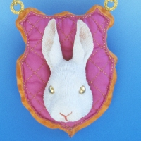 1999_carrot_chain_in_the_order_of_the_rabbit_with_the_golden_eyes